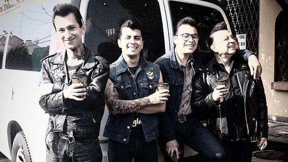 What is the Rockabilly style? 50´s and 60´s fashion. Four men wearing Rockabilly style.