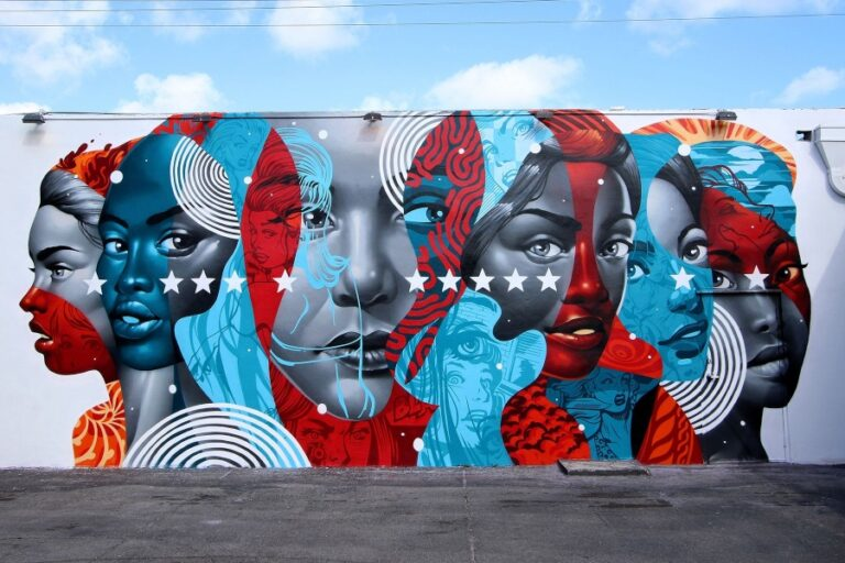 Womens, by the American artist Tristan Eaton, one of the most famous murals in Miami.
