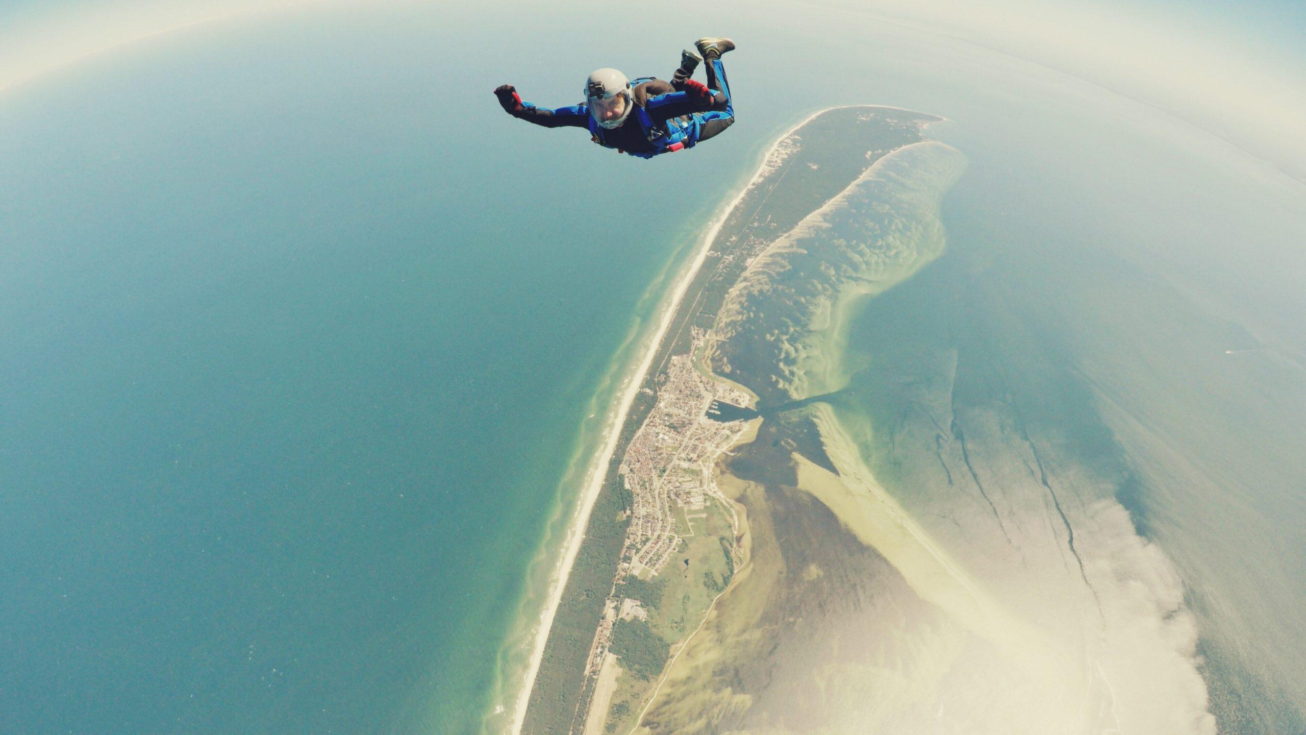 Gründe, Fallschirmspringen mindestens einmal in Ihrem Leben auszuprobieren.